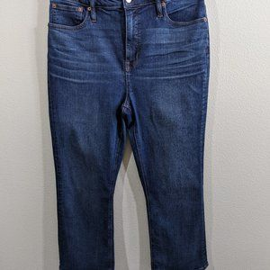 J CREW Curvy Billie Demi boot Jeans 31 (Actual 32)